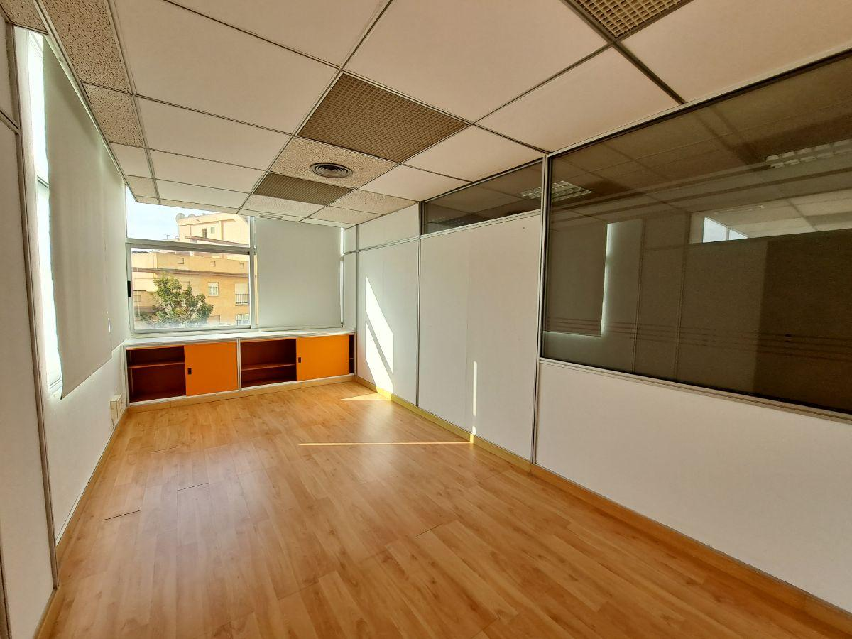 For sale of office in Jerez de la Frontera