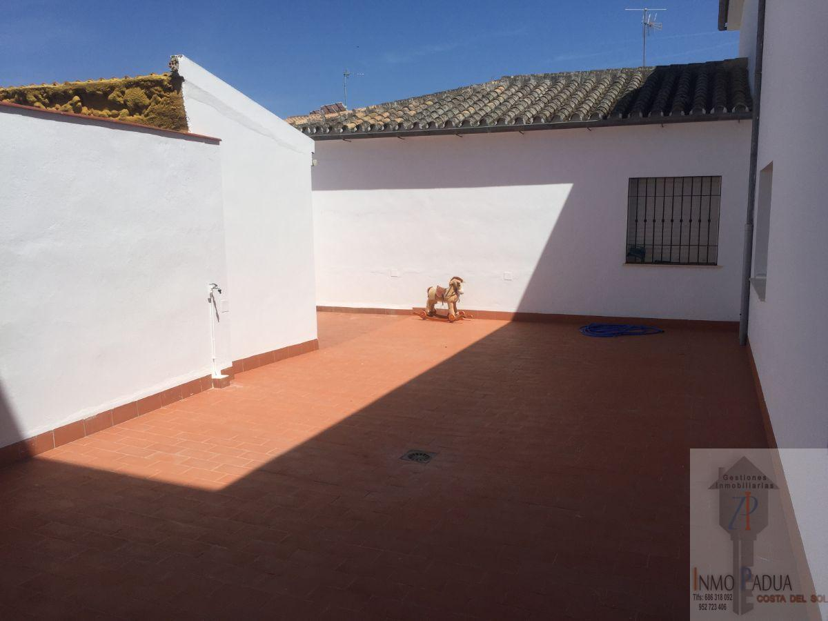 For sale of flat in Campillos