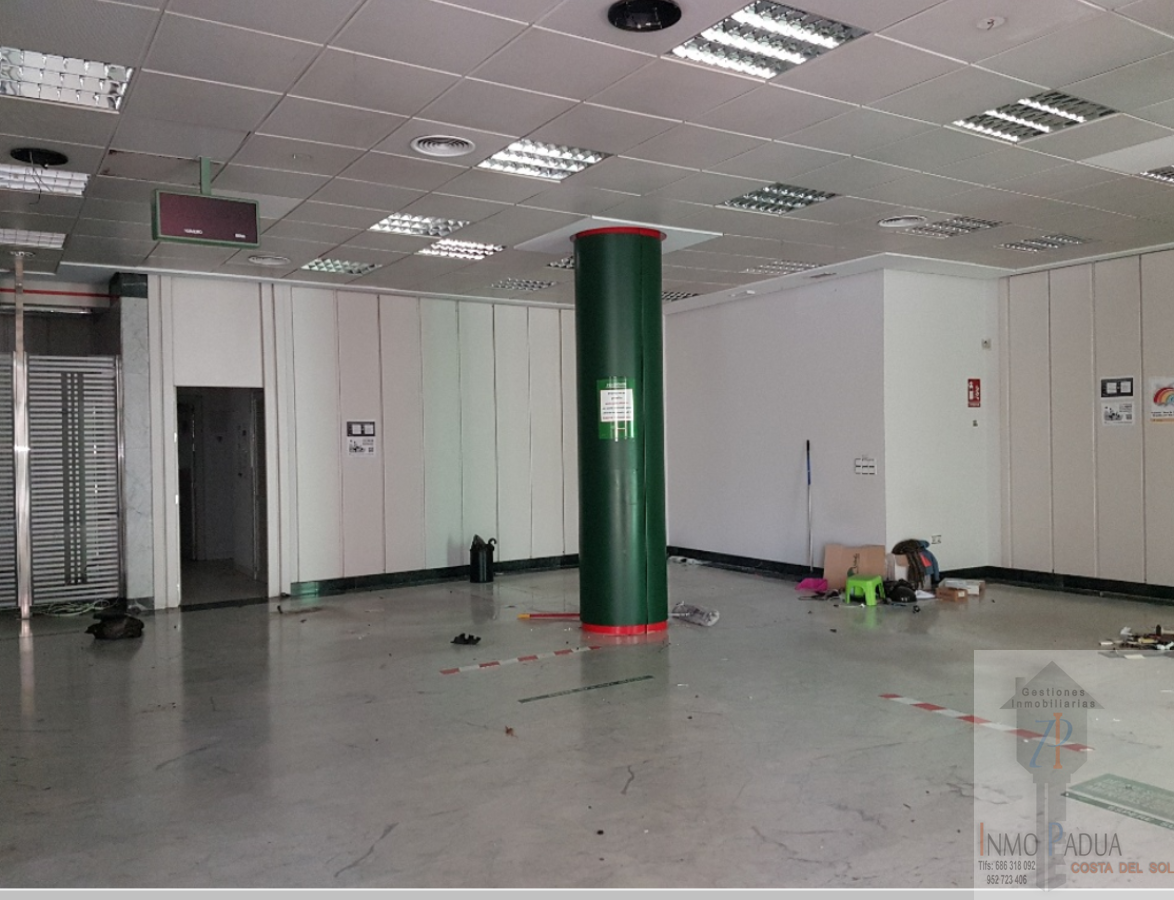 For sale of commercial in Málaga