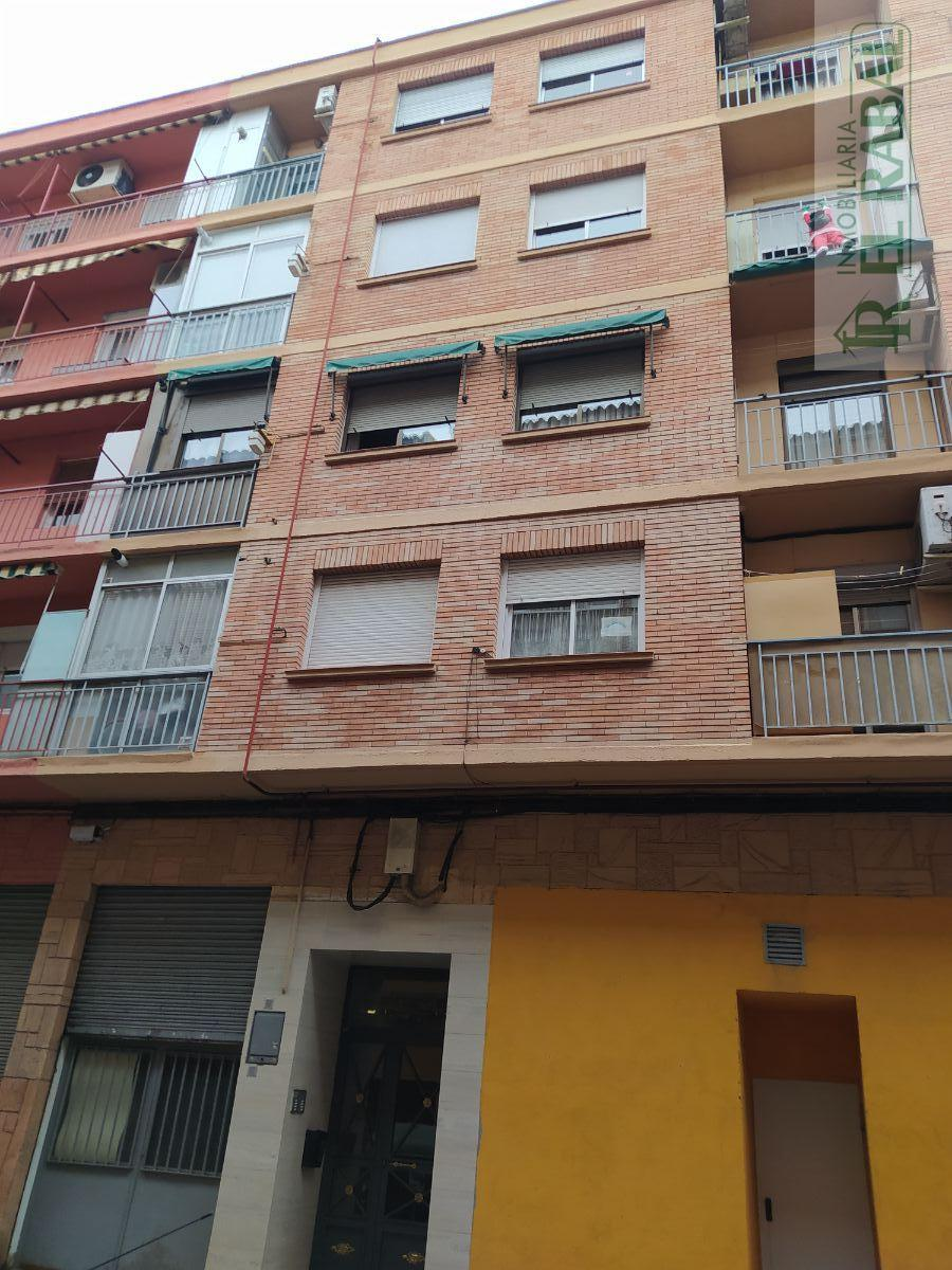 For sale of flat in Zaragoza