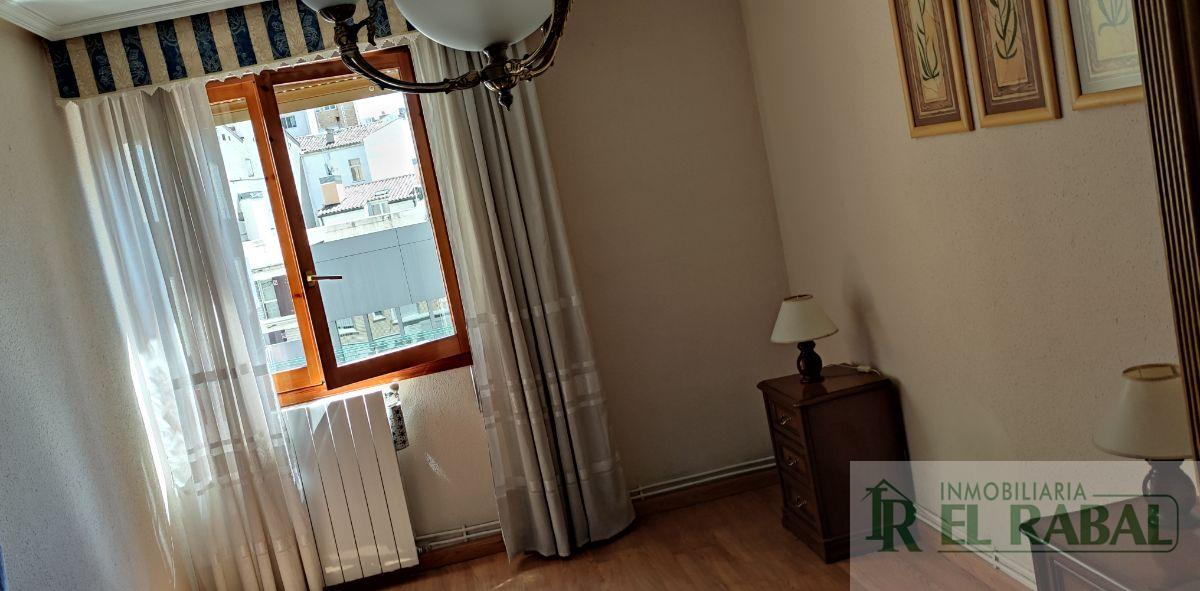 For rent of flat in Zaragoza
