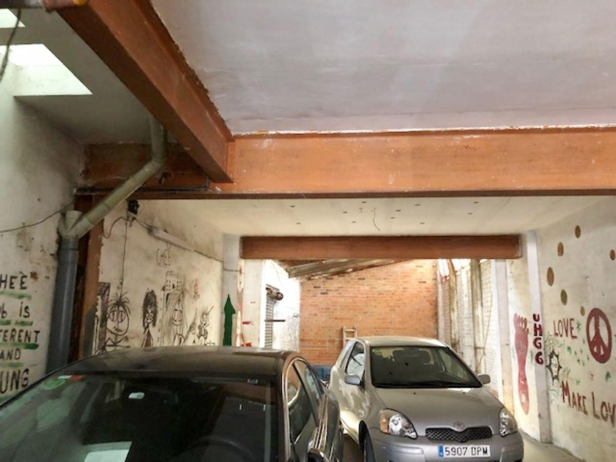 For sale of commercial in Badalona