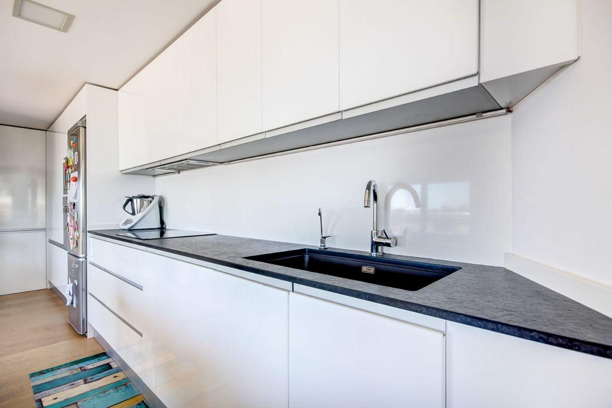 For sale of flat in Badalona