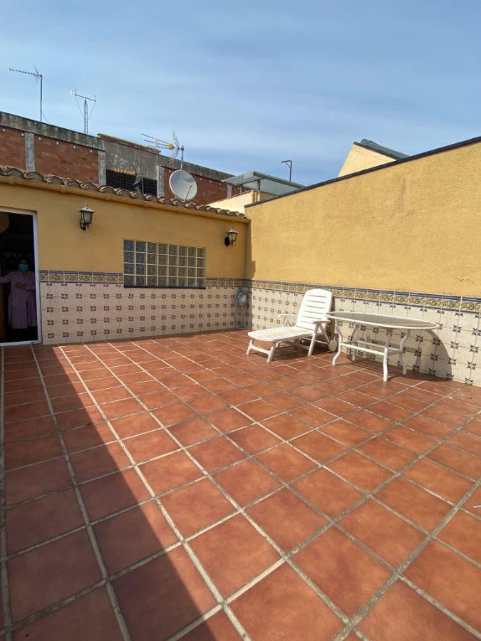 For sale of house in Badalona