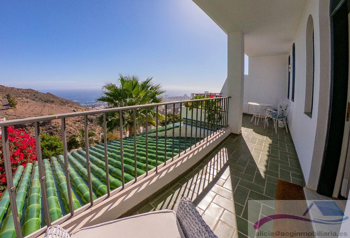 For sale of chalet in Tenerife