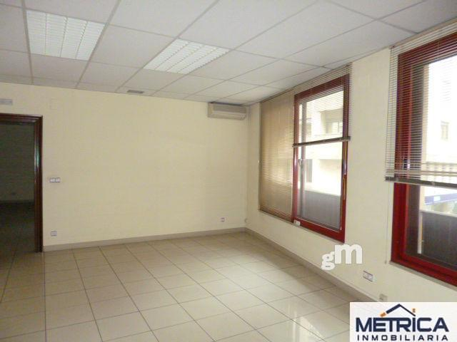 For sale of office in Salamanca