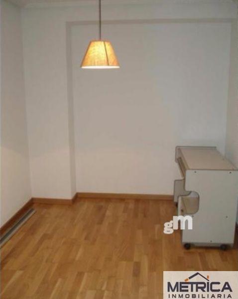 For sale of flat in Villares de la Reina