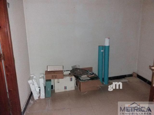 For rent of commercial in Vilvestre