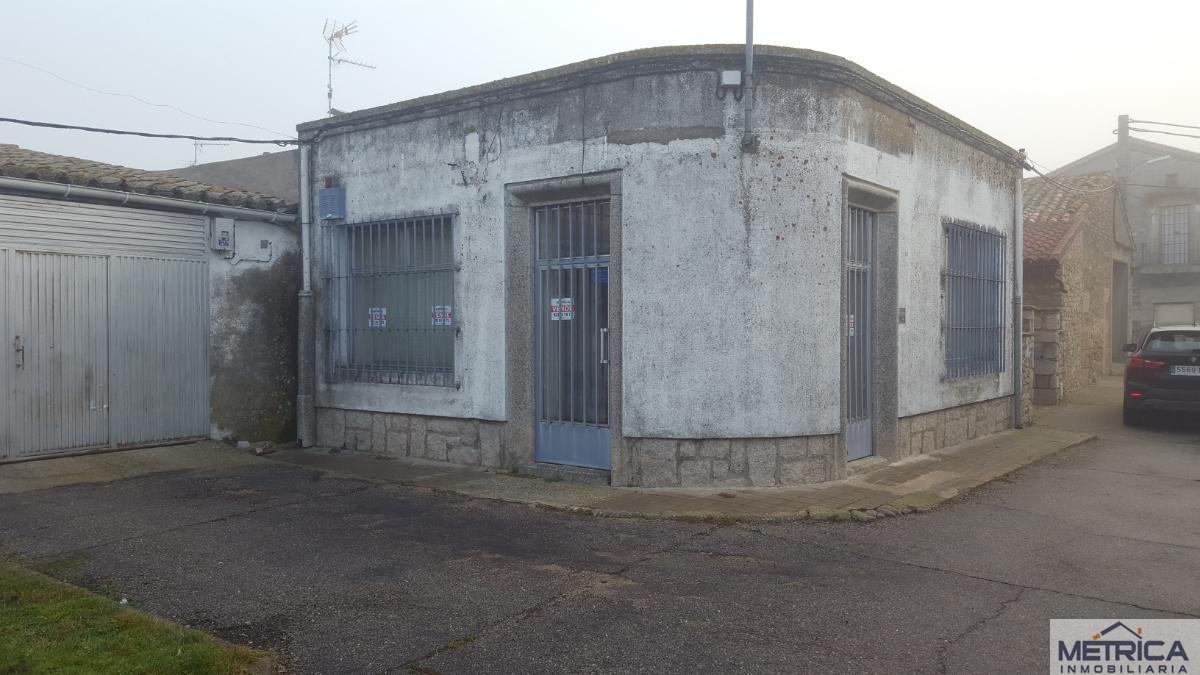 For sale of office in Villar de Peralonso
