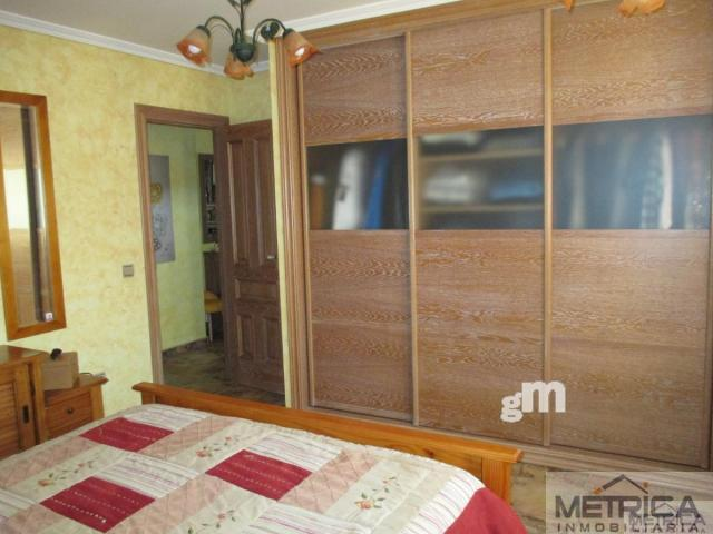 For sale of chalet in Villares de la Reina