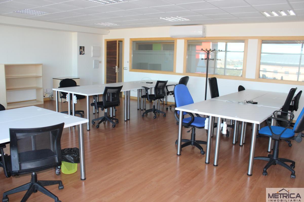 For rent of office in Carbajosa de la Sagrada