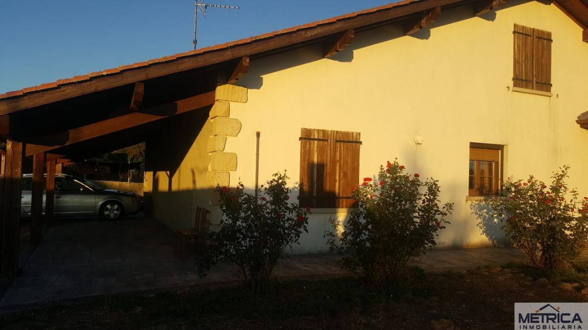 For sale of house in Peralejos de Abajo