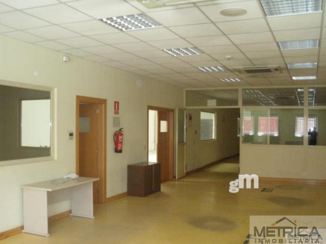 For rent of industrial plant/warehouse in Villares de la Reina