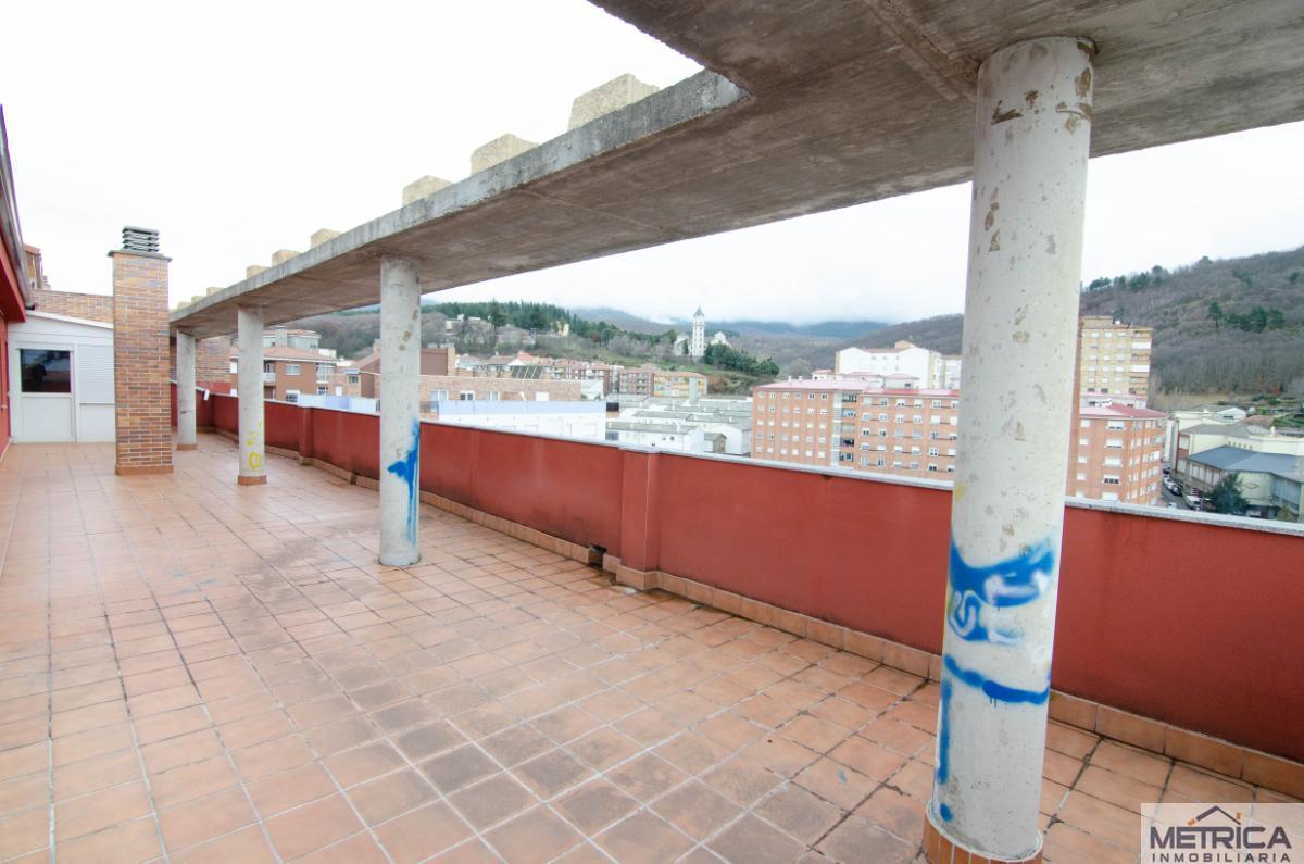 For sale of penthouse in Béjar