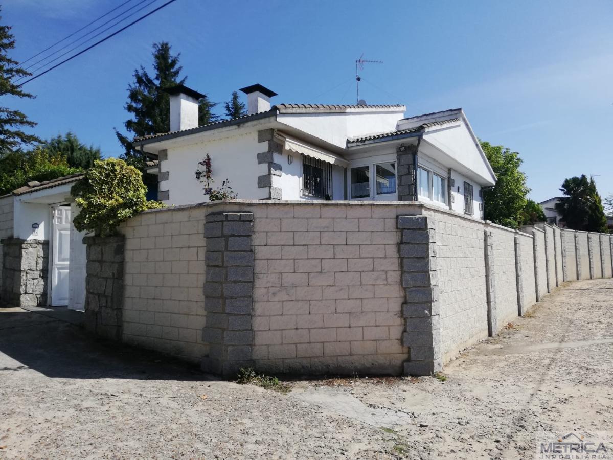 For sale of chalet in Castellanos de Villiquera