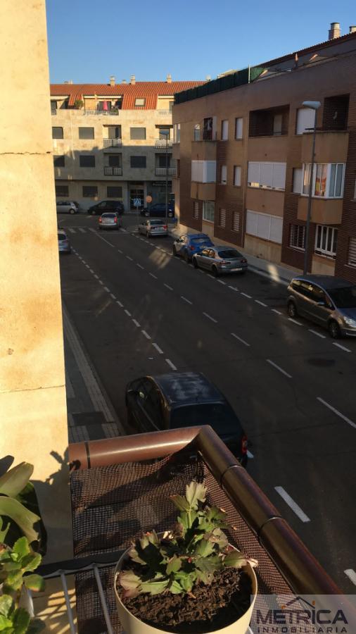 Venta de piso en Villares de la Reina
