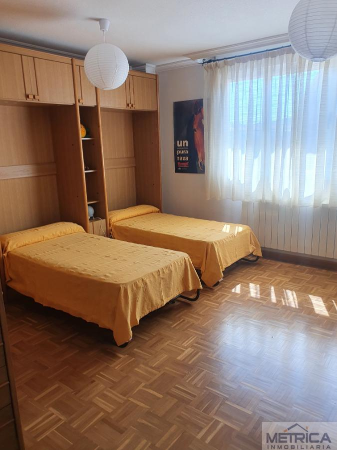 For rent of penthouse in Salamanca