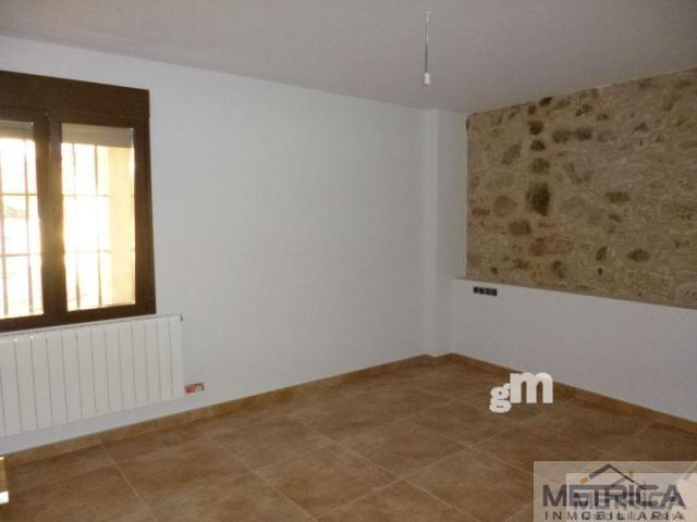 For sale of house in Valverdón