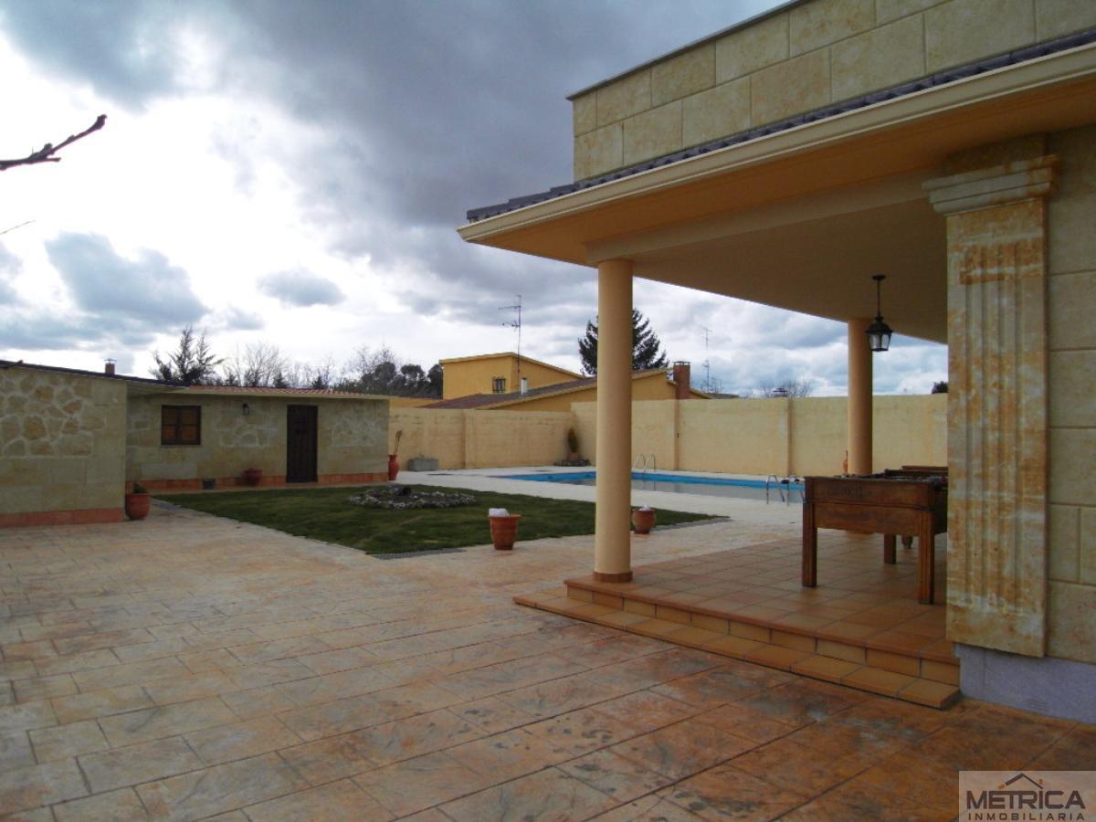 Venta de chalet en Villamayor