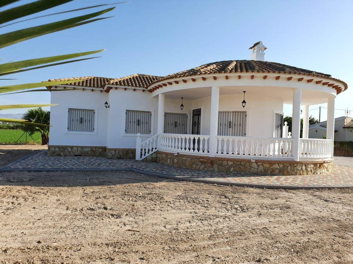 For sale of villa in Catral