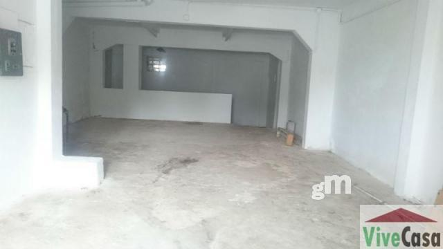 For rent of commercial in Narón