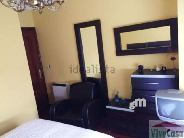 For sale of flat in Narón