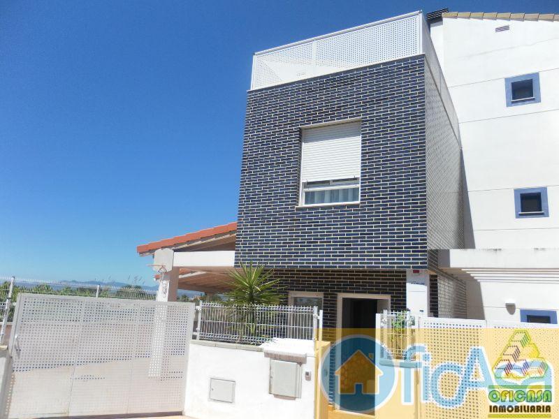 For sale of house in Almazora