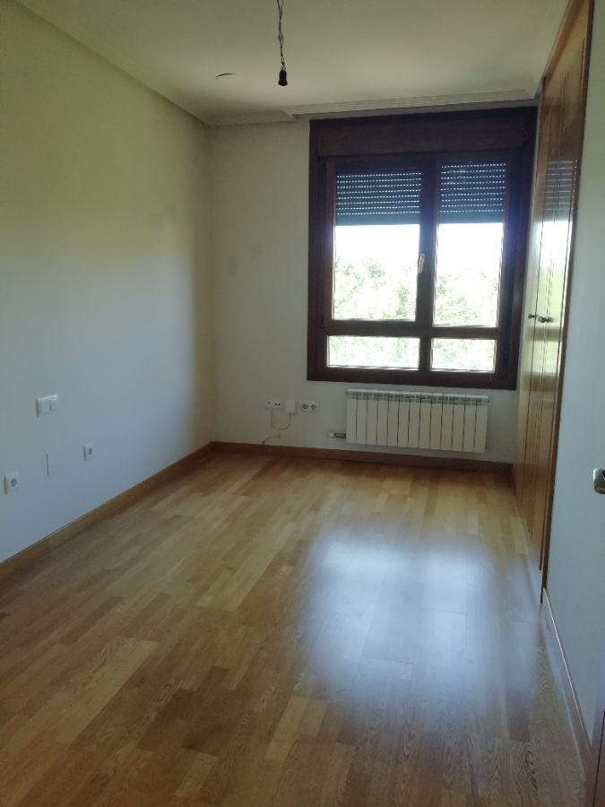 For rent of penthouse in Valladolid