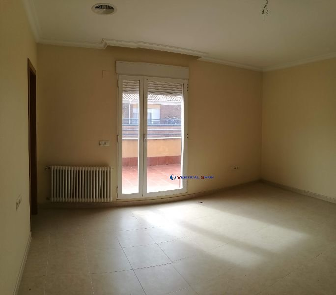 For sale of penthouse in Villena