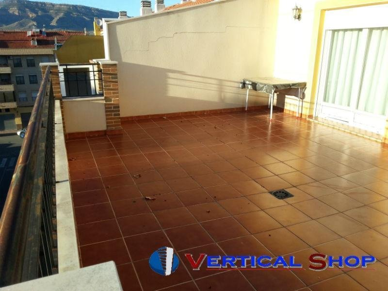 For sale of penthouse in Caudete