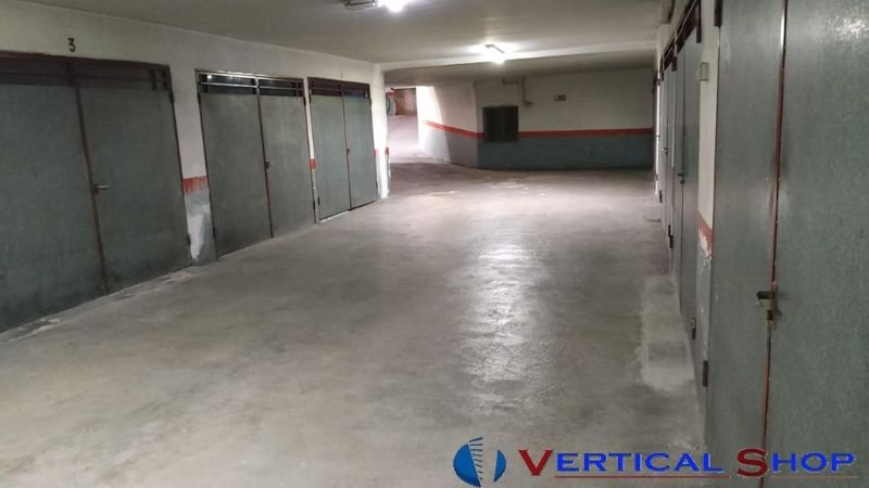 For sale of garage in Caudete