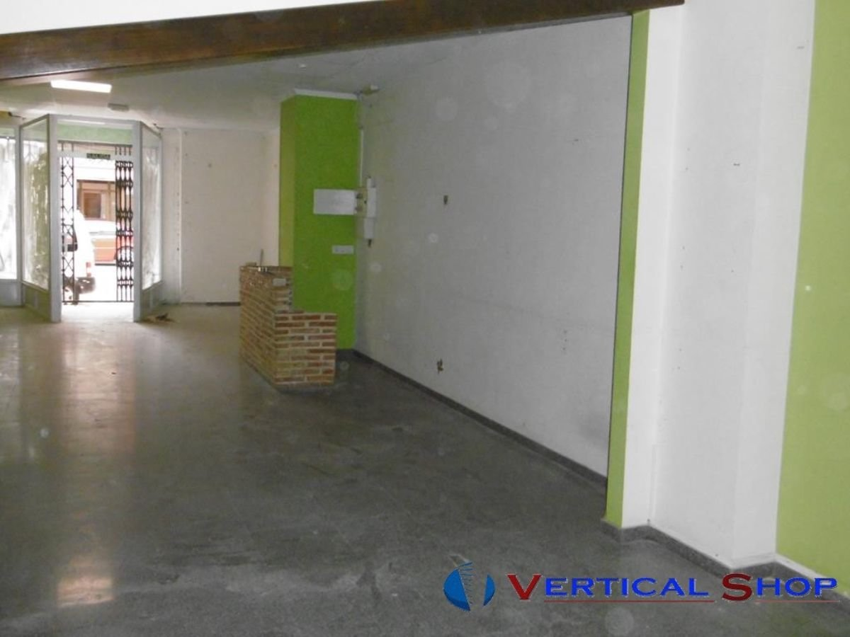 For rent of commercial in Caudete