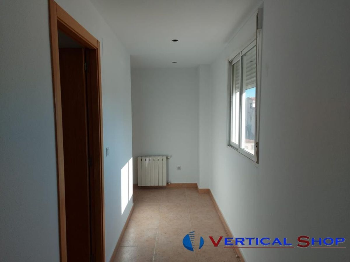 For sale of flat in Caudete