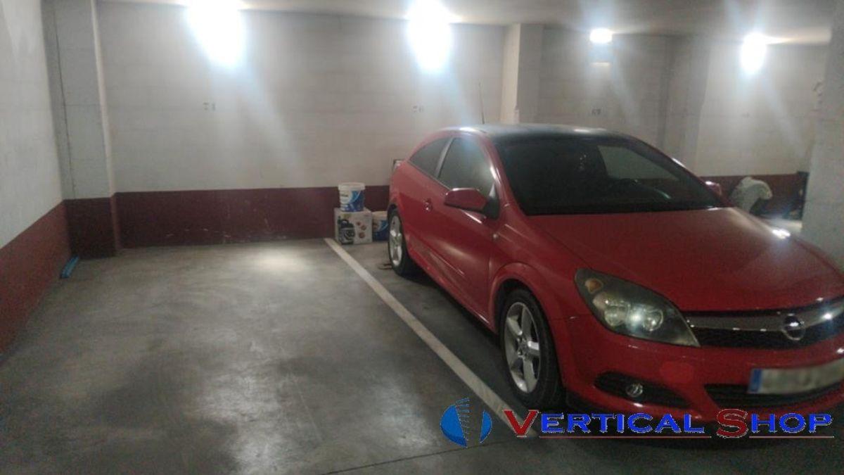 For sale of garage in Villena