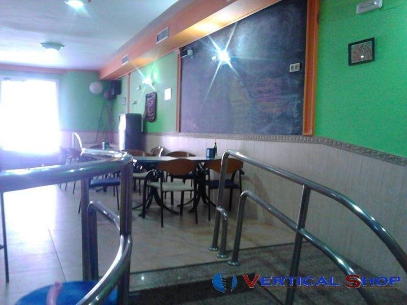 For sale of commercial in Caudete