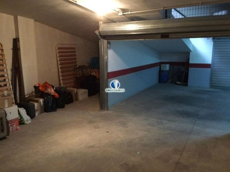 Venta de garaje en Caudete