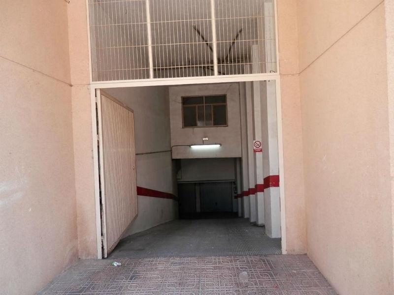 For sale of garage in Caudete