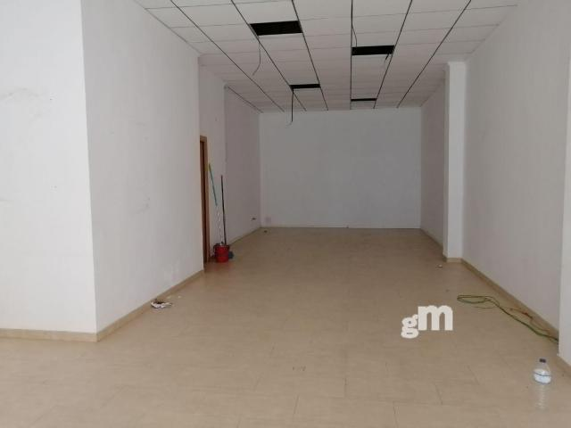 For rent of commercial in Chiva