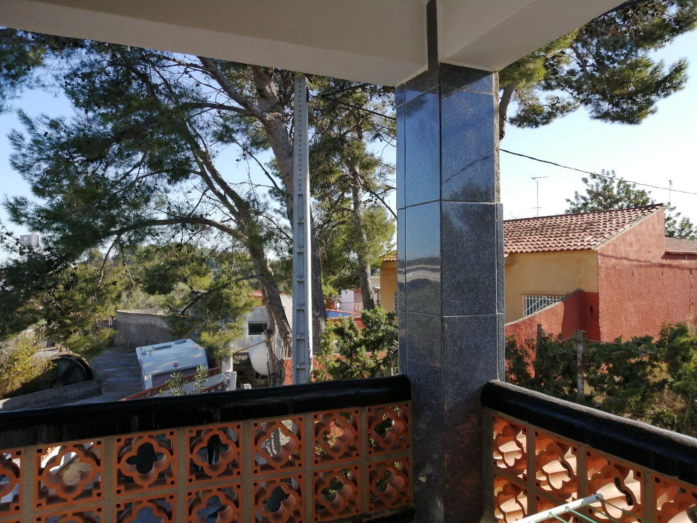 For rent of chalet in Chiva