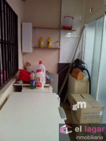 For sale of duplex in Lobón