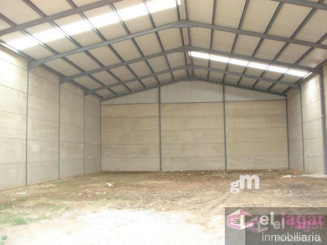 For sale of industrial plant/warehouse in Puebla de la Calzada