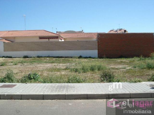 For sale of land in Puebla de la Calzada