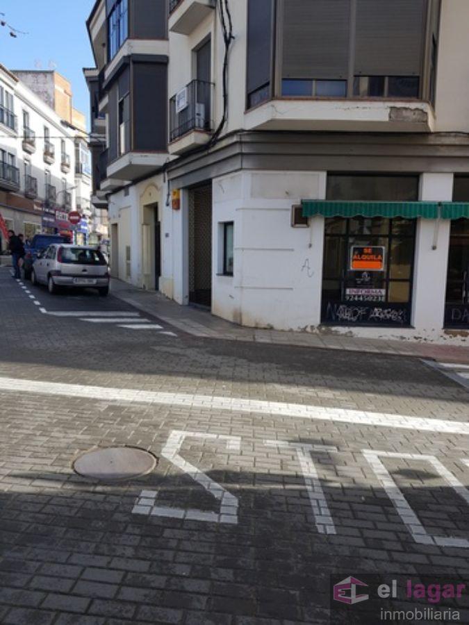 Alquiler de local comercial en Montijo