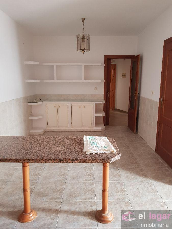 For sale of duplex in Montijo