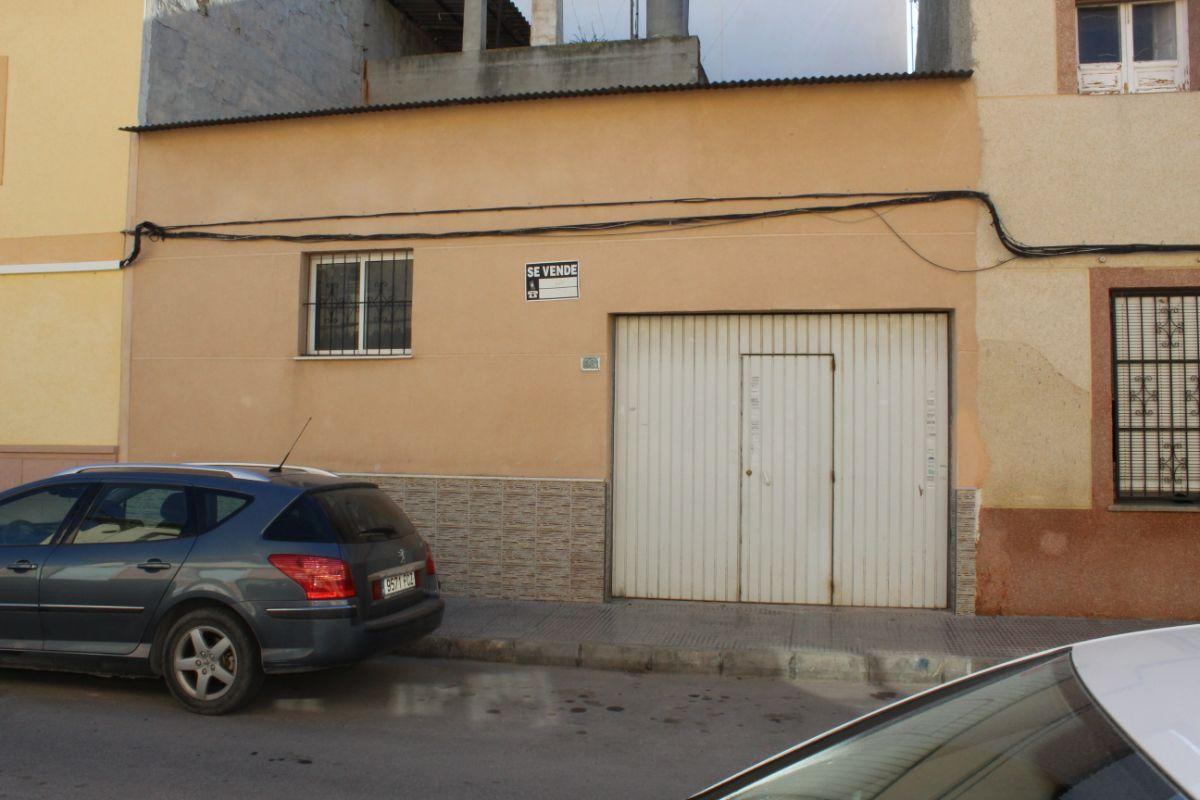For sale of house in Almoradí