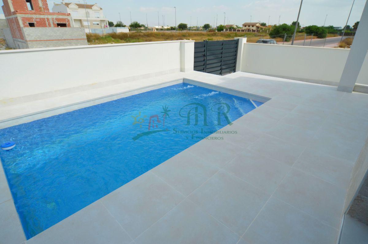 For sale of villa in Daya Nueva