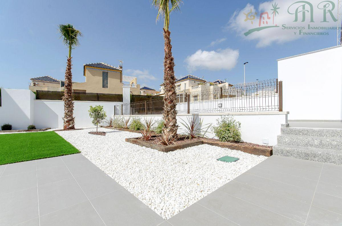 For sale of new build in Torrevieja