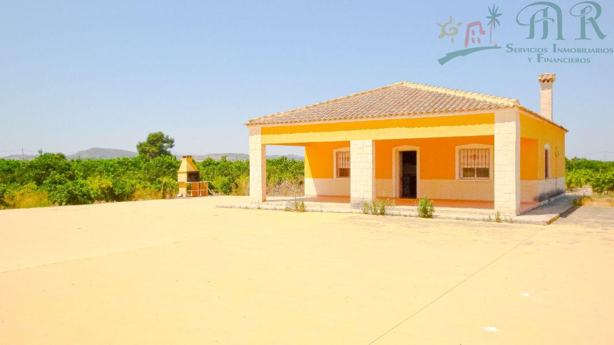 For sale of chalet in Orihuela
