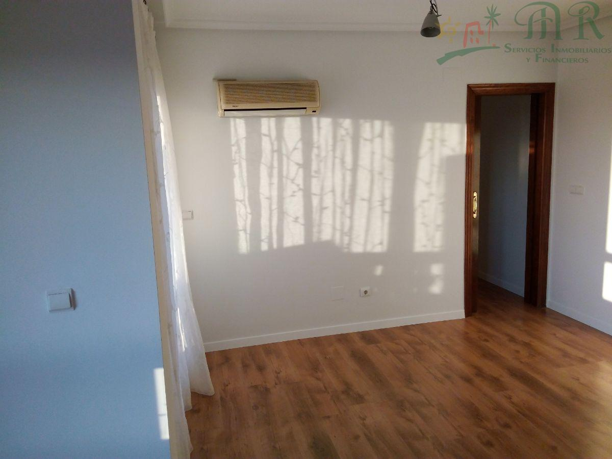 For sale of apartment in Guardamar del Segura