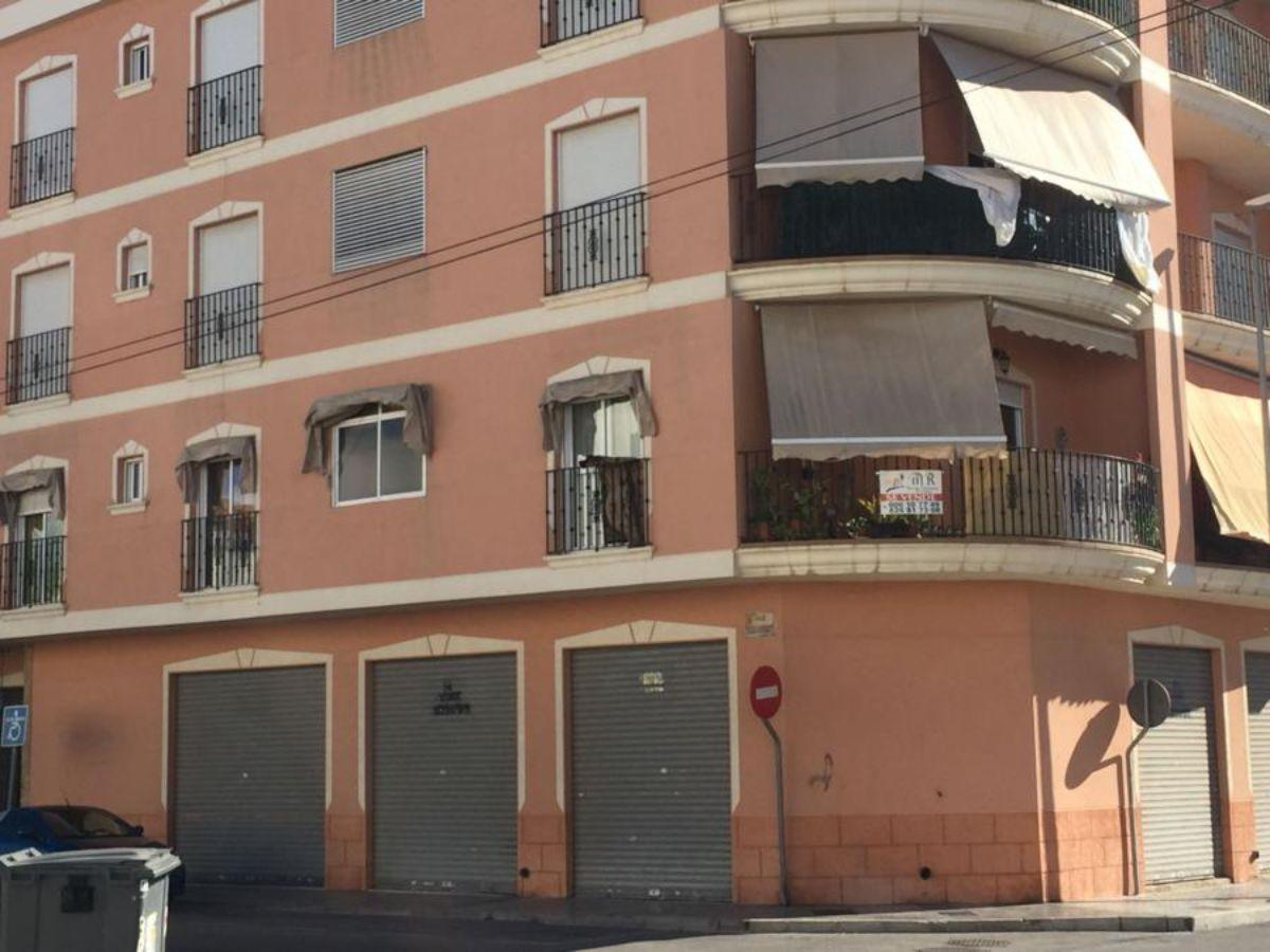For sale of flat in Almoradí